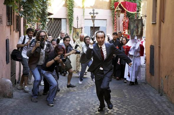 robert-benigni-in-to-rome-with-love_590x391